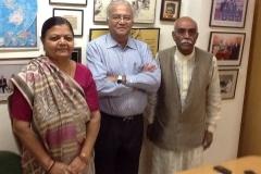 Smt ramaben mavani ,EX MP Visit of consumer international head office at Jaipur on 09/05/14 , shri Pradeep Mehta secretary journal of cut , shri Cheriyan George , shri Deepak saxsana ,ramaben & Ramjibhai mavani — with Pradeep S Mehta